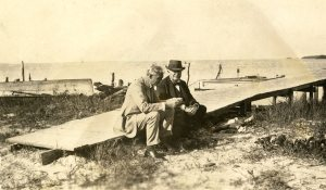 Henry_Ford_and_Thomas_Edison_in_Punta_Rassa,_Florida
