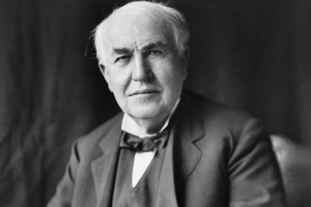 How Did Thomas Edison Invent the Lightbulb? 2