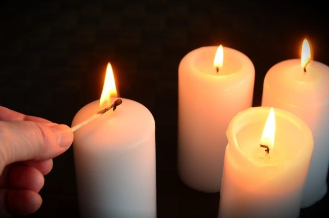 The Four Candles - A Powerful Story of Hope!