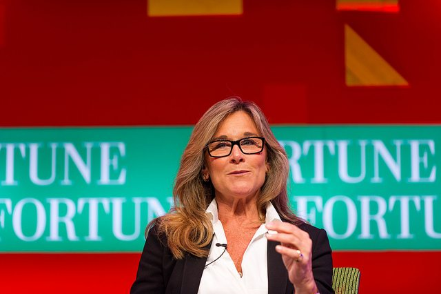 """Be Present"" – Angela Ahrendts Life-Advice Letter To Her Daughters"