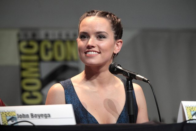 Hollwood Latest –  Will Daisy Ridley Spill Her Star Wars Secrets? & Much More…