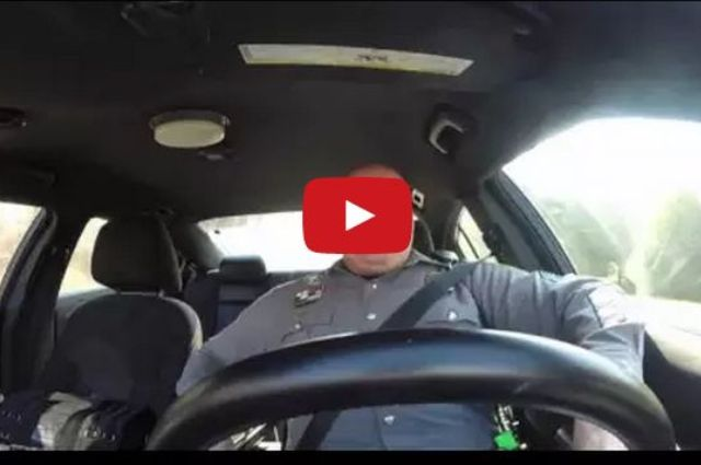 Dover Policeman Does Taylor Swift - Shake It Off!
