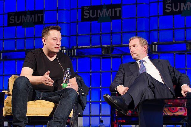 How Elon Musk, Marissa Mayer & Jeff Bezos Run Their Meetings
