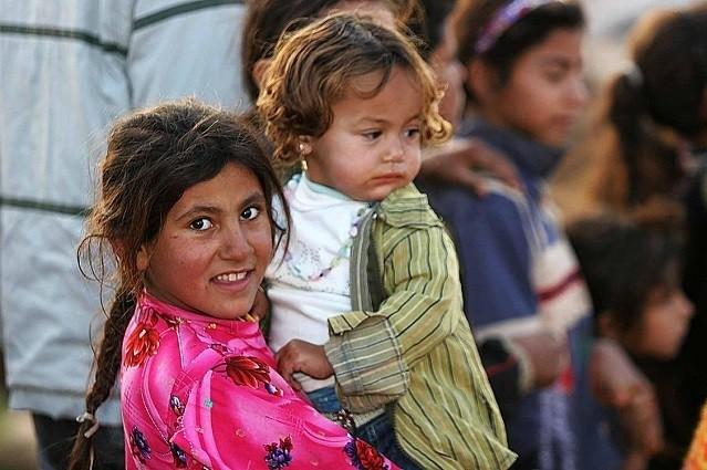 """Iraqi refugee children, Damascus, Syria"" by James Gordon from Los Angeles, California, USA - Iraqi refugee children, Damascus, Syria. Licensed under CC BY 2.0 via Commons - https://commons.wikimedia.org/wiki/File:Iraqi_refugee_children,_Damascus,_Syria.jpg#/media/File:Iraqi_refugee_children,_Damascus,_Syria.jpg"