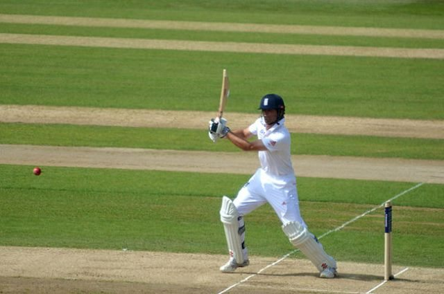 Alastair Cook Joins Legendary 10,000 Test Runs Club!