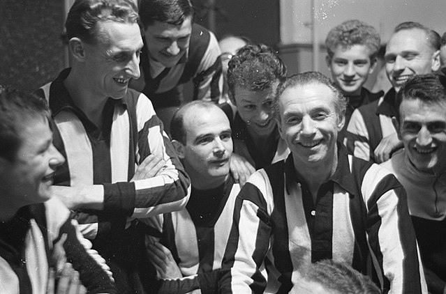 Sir Stanley Matthews - The Pioneer of a Professional Footballer